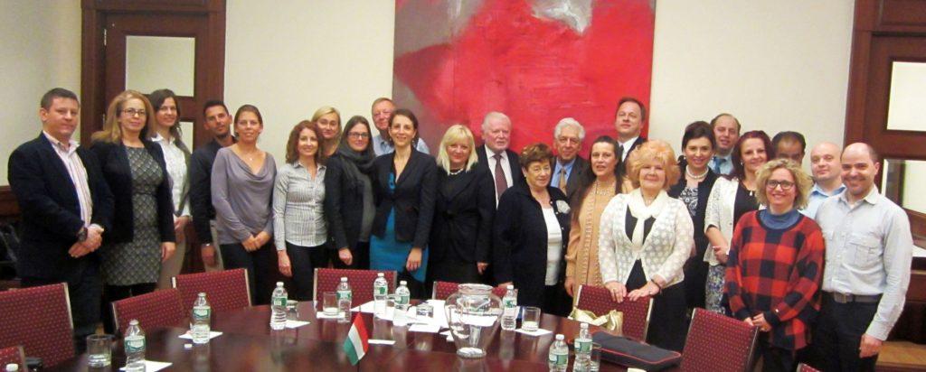2016.02.07. Amerikai-magyar üzletember találkozó. Ezen a találkozón döntöttek a jelenlévők a New York-i Amerikai-Magyar Kereskedelmi Kamara megalakításáról. A képen az alapítók.
