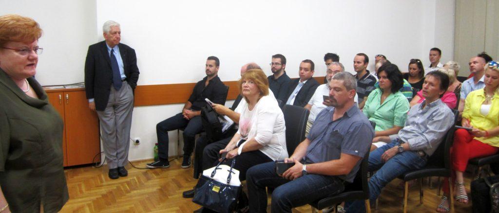 """Az AmHunCham NY Budapesten tartózkodó delegációjának három tagja válaszolt több mint hatvan résztvevő kérdéseire a Budapesti Vállalkozásfejlesztési Közalapítvány SMARTPOINT-jában szervezett Workshopon arra a kérdésre, hogy """"Eljuthatnak magyar vállalkozások az USA-ba?"""""""
