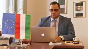 A Kamara Online interjút készített a BKIK Ipari Tagozatának új elnökével, Zsabka Zsolttal, aki a Diagramma Zrt elnök vezérigazgatója és egyben a New Yorkban működő Amerikai Magyar Kereskedelmi Kamara budapesti irodájának vezetője is. Zsabka Zsolt: A most vállalkozóvá váló generáció mentorálása az egyik fontos feladatunk Az AmHunCham NY honlapja idézi az interjút.