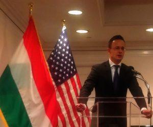 Szijjártó Péter. külgazdasági és külügyminiszter, illetve Szani Janos, a Carion Részvénytársaság vezérigazgatója New Yorkban bejelentették, hogy megalakult a COLUMBUS Magántőkealap, hogy elősegítse a magyar vállalkozások nemzetközi piacra lépését. A WBPI tudósítója jelentette.